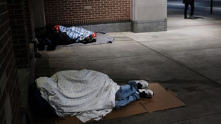 People reach out to help homeless woman in St. Louis