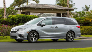 Honda recalls 122K minivans after reports that doors can open on their own