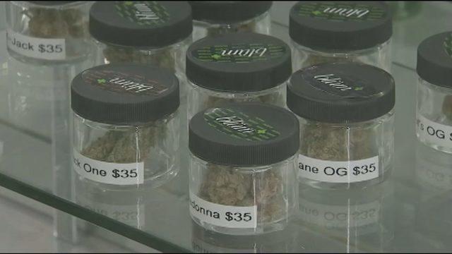https://www.wsbtv.com/news/trending-now/first-day-of-recreational-marijuana-sales-in-massachusetts-rakes-in-more-than-400-000/877585159