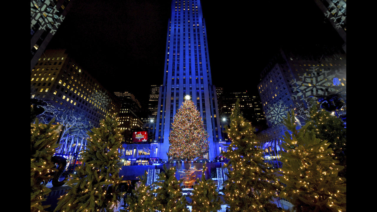 Photos: Rockefeller Center Christmas Tree Lighting 2018 - (2/16)