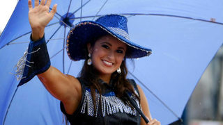 Former Miss Kentucky charged with sending naked photos to student