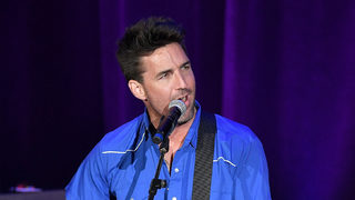 Video shows Jake Owen