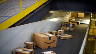 Amazon employee accused of stealing $4,000 in items, shipping empty boxes, deputies say
