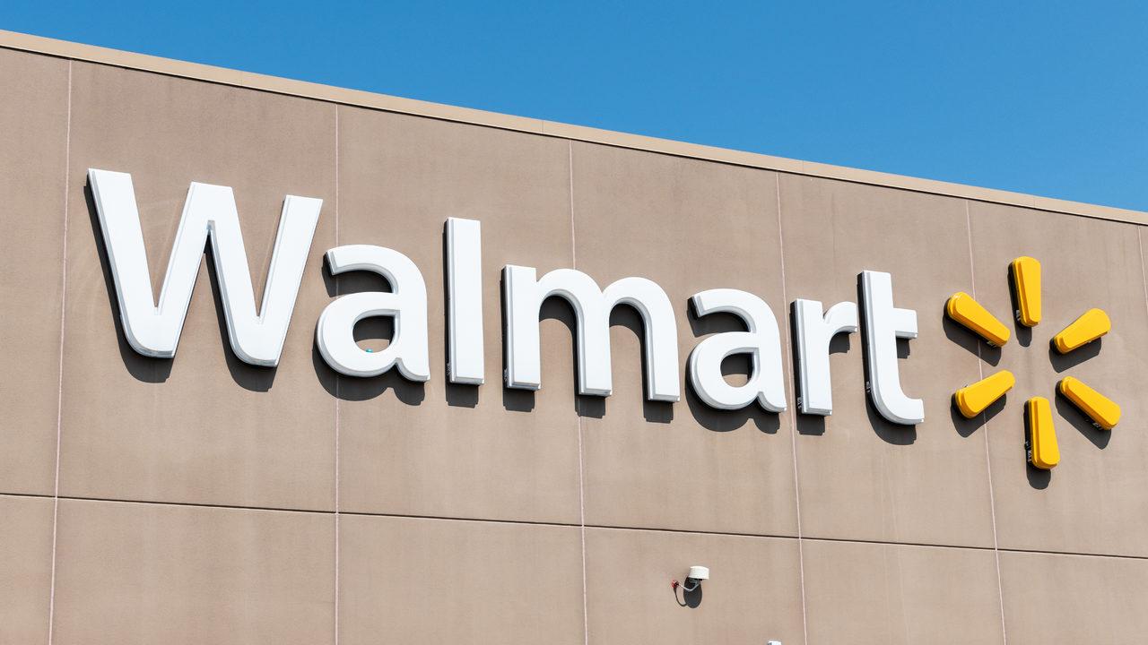 Nobody Should Work Here Ever Teen Quits Walmart Job Over Store