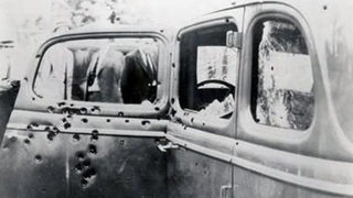 Descendants of Bonnie and Clyde want them buried next to each other