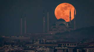 Super wolf blood moon: A viewing guide for the coolest sounding lunar eclipse