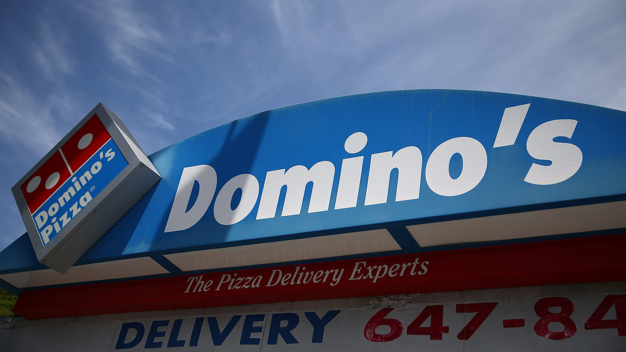 dominos pizza delivery driver shot