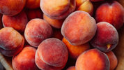 FILE PHOTO: The FDA announced a recall of peaches, nectarines and plums.