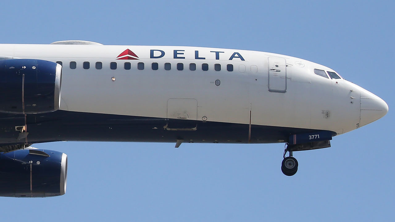 Delta Air Lines helps group of stranded fifth graders after another airline canceled flight