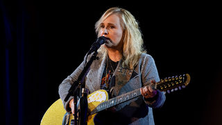 Melissa Etheridge announces tour, new album
