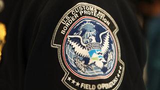 Migrant mandies in Border Patrol custody in Texas