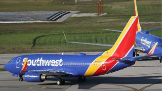 Computer glitch grounds Southwest Airlines flights early Friday