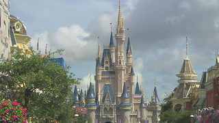 Walt Disney World misspelled on fountain in town
