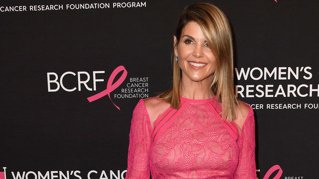 Laurie Lorrie Whats In Name >> Aunt Becky Lori Loughlin Arrest Lori Loughlin Expected To Turn