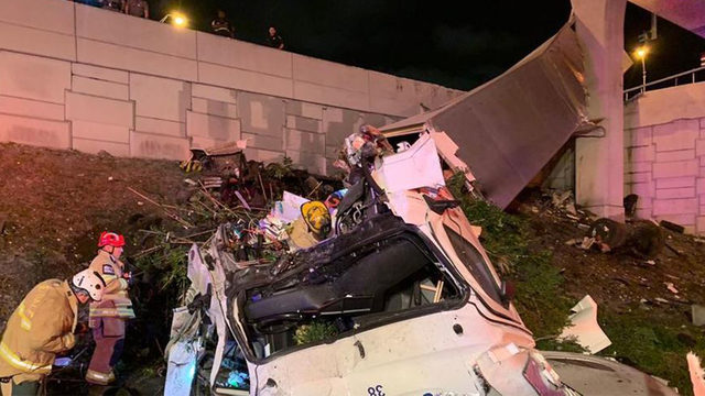 Driver critical after tractor-trailer crashes off Florida interstate