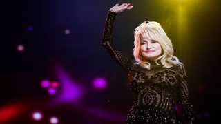 Dolly Parton donates $200K to east Tennessee fire departments