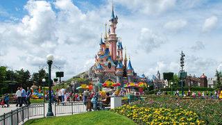 Escalator problem causes brief panic at Disneyland Paris