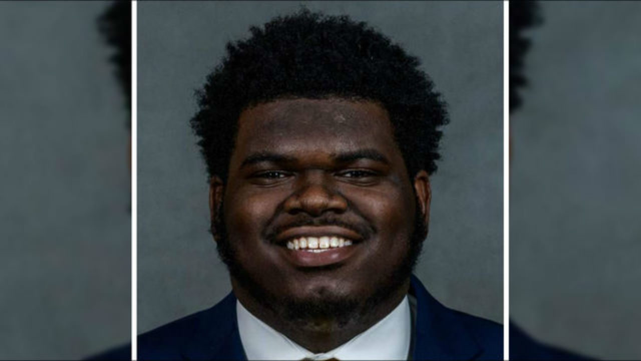 Georgia football player dies after collapsing, hitting head after
