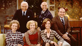 1975 photo  (L to R): Betty White (Sue Ann Nivens), Ted Knight (Ted Baxter 1923 - 1986), Georgia Engel (Georgette Franklin Baxter, Gavin McLeod (Murray Slaughter), Mary Tyler Moore (Mary Richards) and Ed Asner (Lou Grant).
