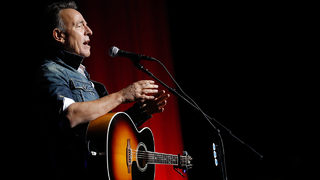 Bruce Springsteen announces
