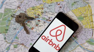 Group wants to ban Airbnb in community, says rental craze brings parties, crime