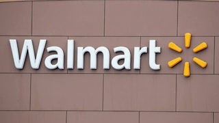 Walmart worker in Louisiana walks 6 miles to work
