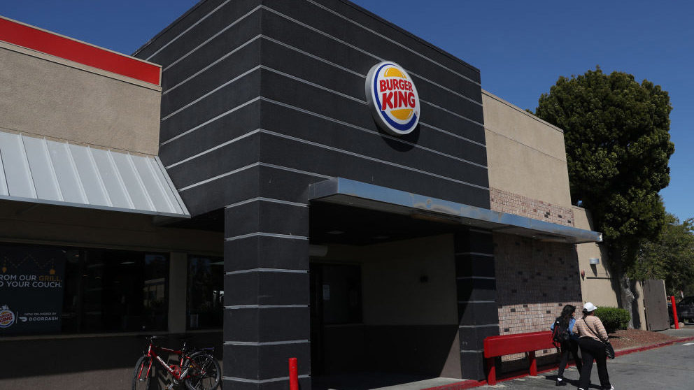 'I was just disgusted:' Woman records Burger King worker using mop to clean table