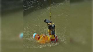 Magician attempting famous Houdini-style stunt drowns in river in India