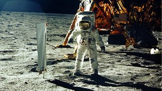 Apollo 11: 4 days to the moon, then the