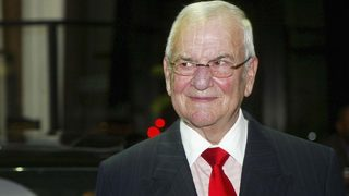 Iconic automobile executive Lee Iacocca dies at 94