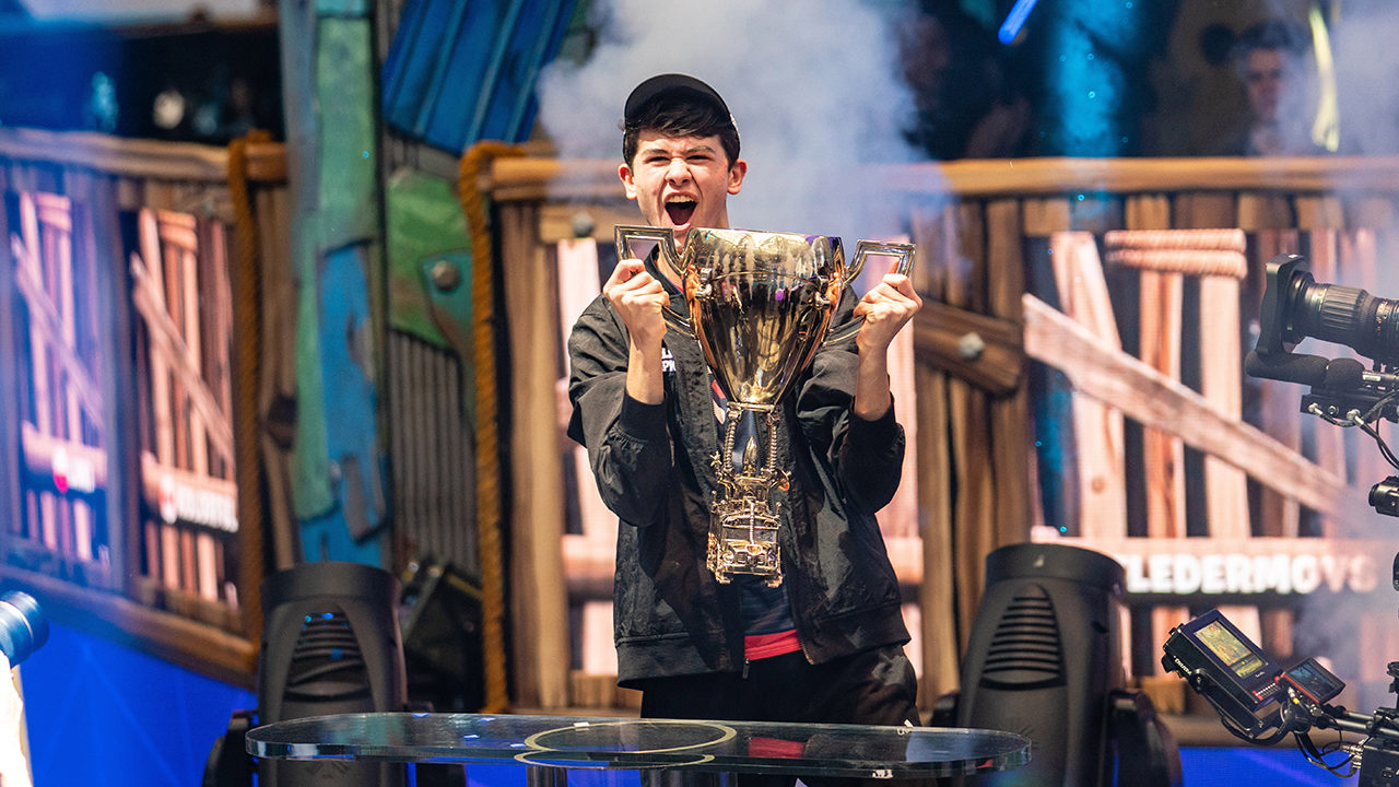 Fortnite World Cup: 16-year-old phenom Kyle 'Bugha' Giersdorf wins