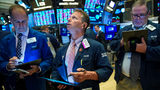 VIDEO: US stocks fall as bond market flashes recession warning