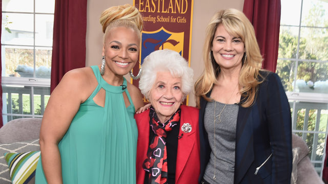 Christmas Made To Order Cast.Facts Of Life Cast Reunites For Lifetime Holiday Movie